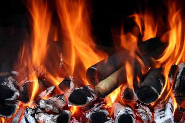 Beau Flames - Photo by Engin Akyurt